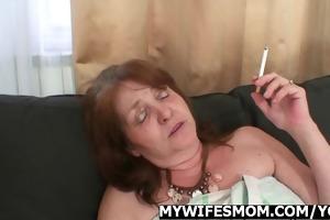 granny rides knob untill her daughter comes in