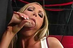 blond d like to fuck ho is a cockhungry