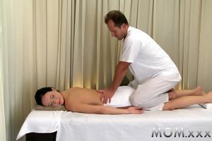mamma dark brown has the massage of her life