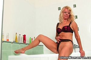 granny in longing masturbates in baths