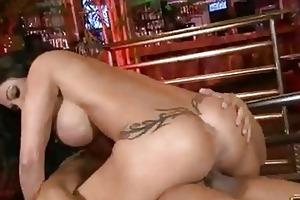 curvy momma jewels has her moist vagina pumped