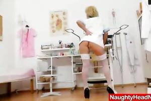 gyno-instrument in mom nurse piddle gap