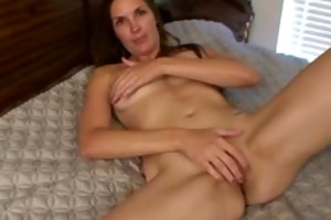 mature mamma stuffs her constricted wet crack