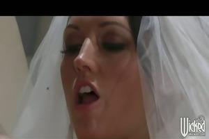 nervous large tit brunett wife fuck large cock