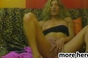 d like to fuck older blonde masturbation fisting