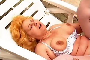 mommy working outdoor hard fuck