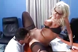 hot blond d like to fuck cougar vicki vogue aged