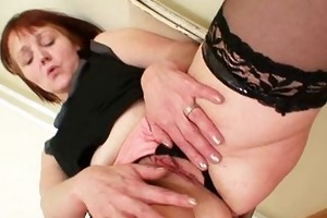 old non-professional mama toying herself on a