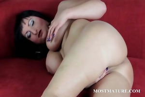 mature sexy snatch rubbing and sex-toy teasing