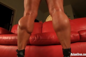 mature mmf bodybuilder dd plays with her large