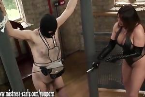 hawt dominatrix-bitch in latex spanks maid and