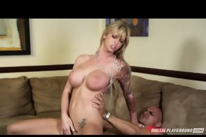 big-tit golden-haired d like to fuck brooke