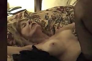 mature bitch creampied by dark knob