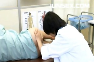 tugjob clinic nurse makes her patient discharge