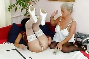 shaggy granny licks hawt d like to fuck in lesbo