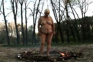 plump gilf enjoys outdoor sex