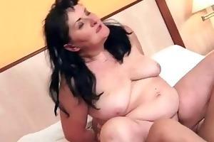plump granny enjoys naughty sex
