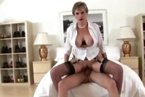 see british lady sonia acquire a facial