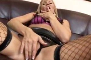 mature golden-haired fingers her snatch and