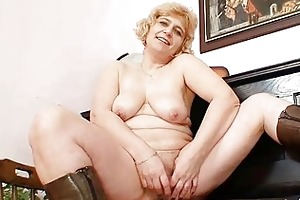 amateur older mamma widens strong love tunnel