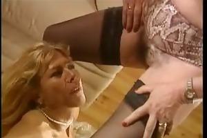 void urine french femmes matures - scene 3 dany