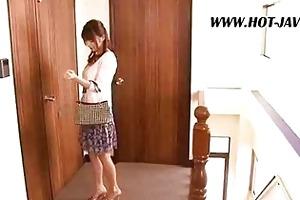 oriental wife copulates the repair boy