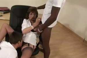 lady sonia receives interracial sucking weenies