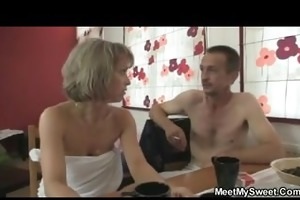 step-family 3some jerk n engulf n cum