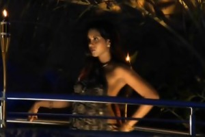 bollywood chick seeks the erotic life