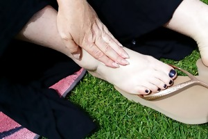 foot joy in flip flops (for a ally of ours)