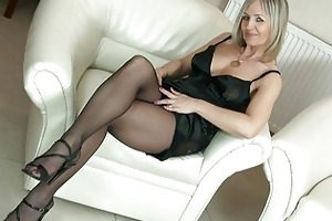 hawt blond mother i in hose uncovers her arse on