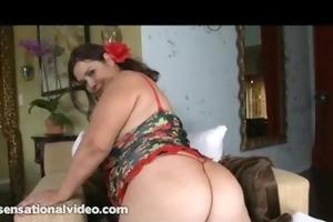 curvy latin babe mother i sucks large dark cock