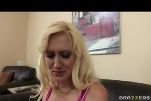 hawt blond milf alana evans receives revenge on