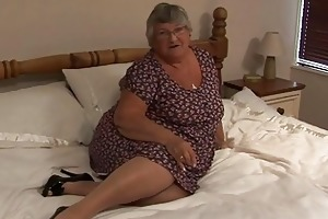 old dilettante granny masturbate on...