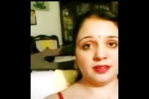 pakistani muslim wife shows hirsute fuddi vulva
