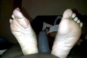 allies mother feet 2