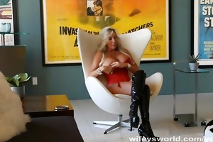 wifey acquires bawdy cleft pounded and swallows