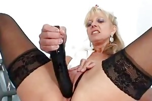 elder blondie matured putting in bawdy cleft plus