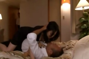 oriental doxy does not mind company as she is
