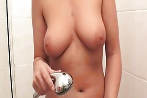 sandra nero is a sexy d like to fuck showering