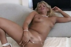 d like to fuck tries her new sex tool