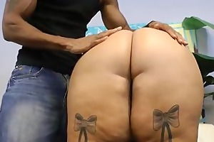 mature plump mommy likes to fuck large dark dongs
