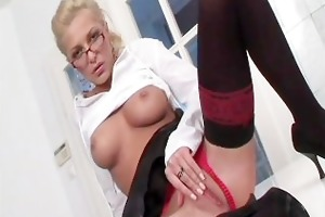 hot secretaries 04 - scene 3