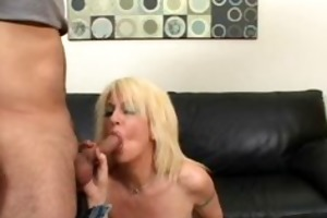 sindi star hot mommy rides penis in daybed