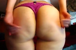 bulky butt and farting
