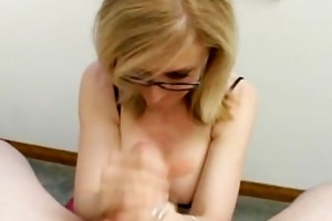 glamorous blond d like to fuck with an apetite