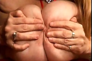 chaps have no clue on what real large knockers