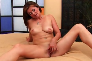 slutty mother i acquires a facial from the guy