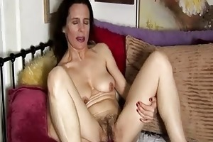 older non-professional has a unshaved twat