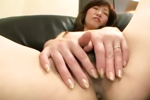 hairy asian cougar gets fingered